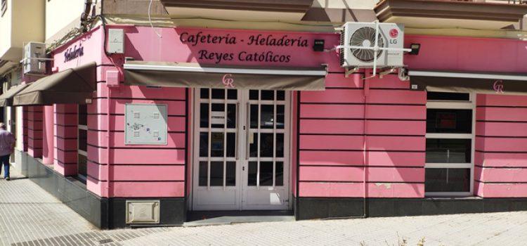Cafetería Heladería Reyes Católicos