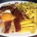 02 Pollo o Lomo, huevo, jamón y patatas